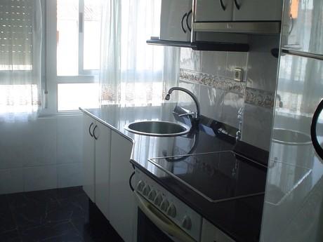 piso en alquiler en barrio covadonga , torrelavega