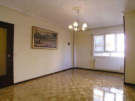 piso en venta en calle jacinto benavente , vitoria